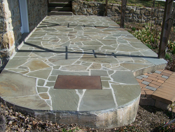 Patios Made Of Flagstones. 2 Major Base: Crushing Run Gravel With Sand,  Concrete. Concrete Base Looks Clean And Neat. Edging Is Done By  Metal/aluminum.